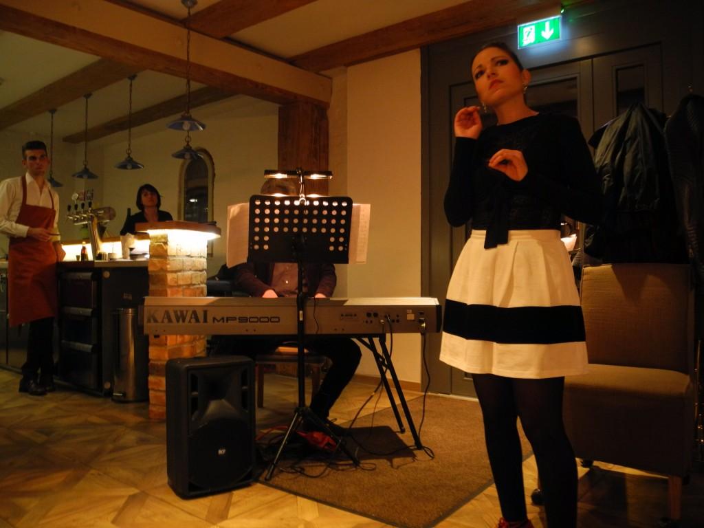 20-03-2015 Theater Tresen Anna Maistriau