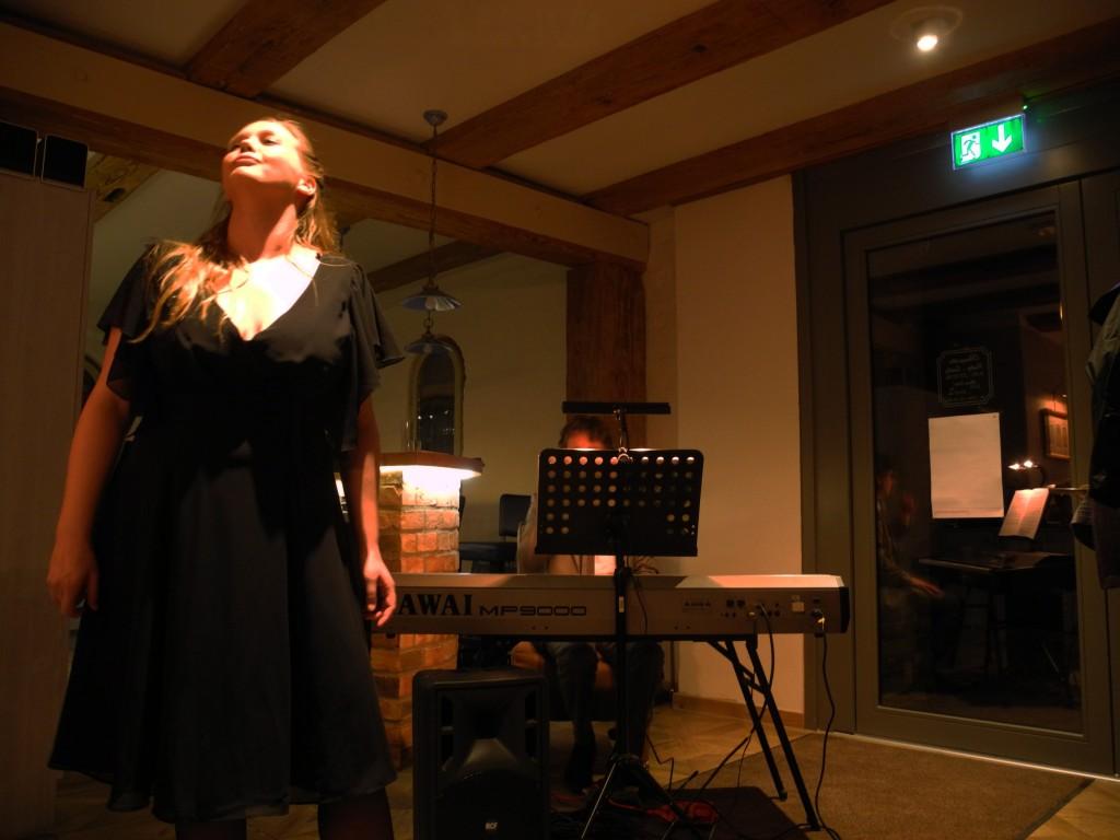 20-03-2015 Theater Tresen Lena Kutzner singt Zara Leander